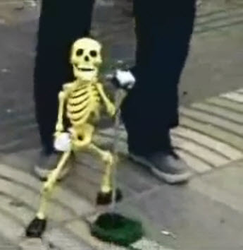 Dancing_Skeleton