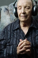 elderly-man-with-headphones